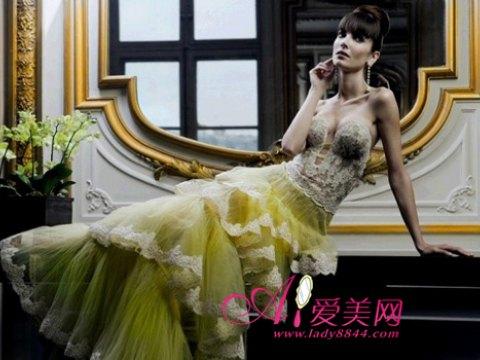 """Những mẫu váy cưới sẽ biến bạn thành """"cô dâu thời trang"""" nhất năm 2011"""
