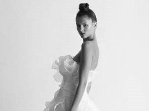 Mơ màng vẻ đẹp áo cưới Marchesa